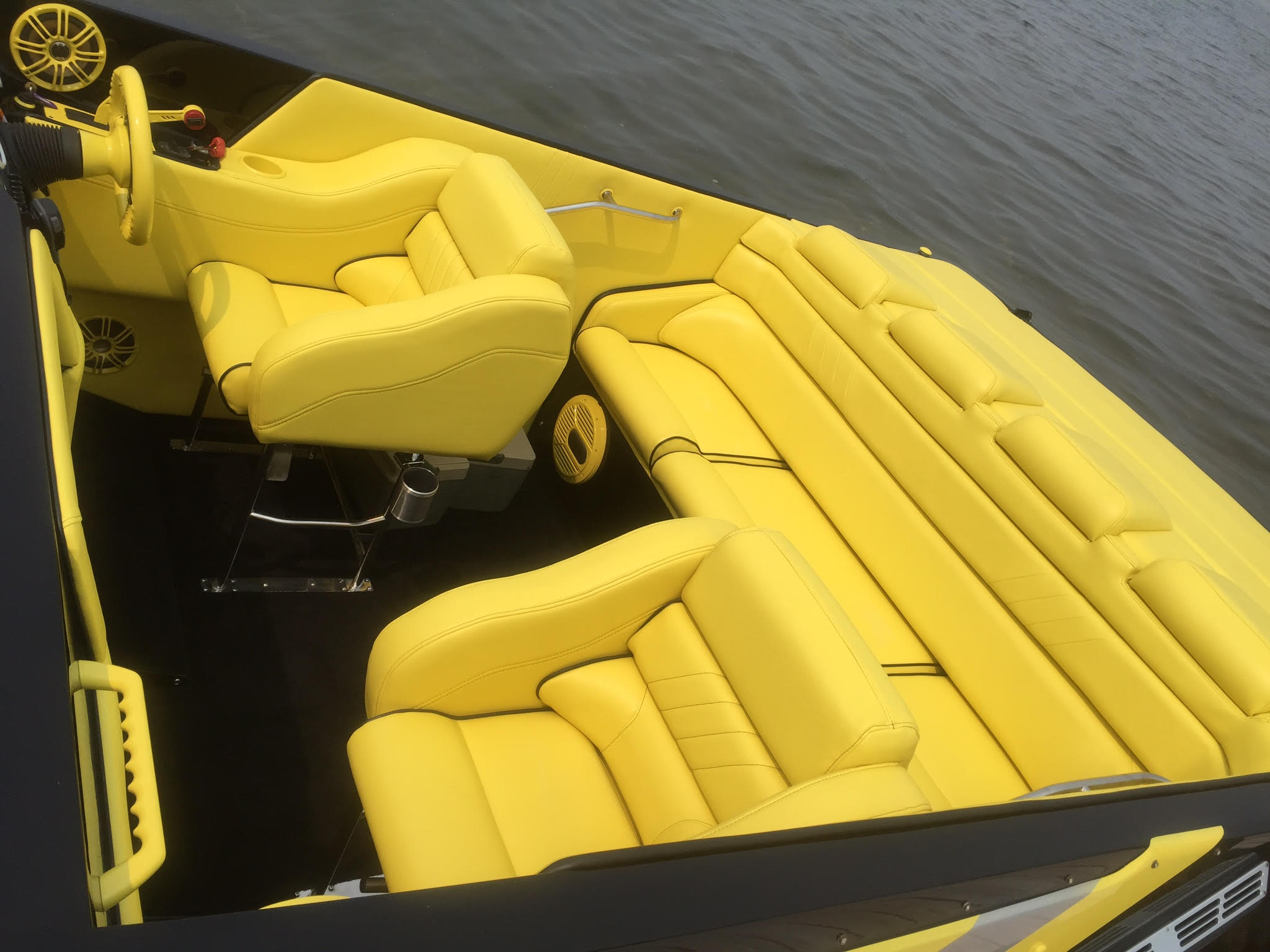 yellow_boat1