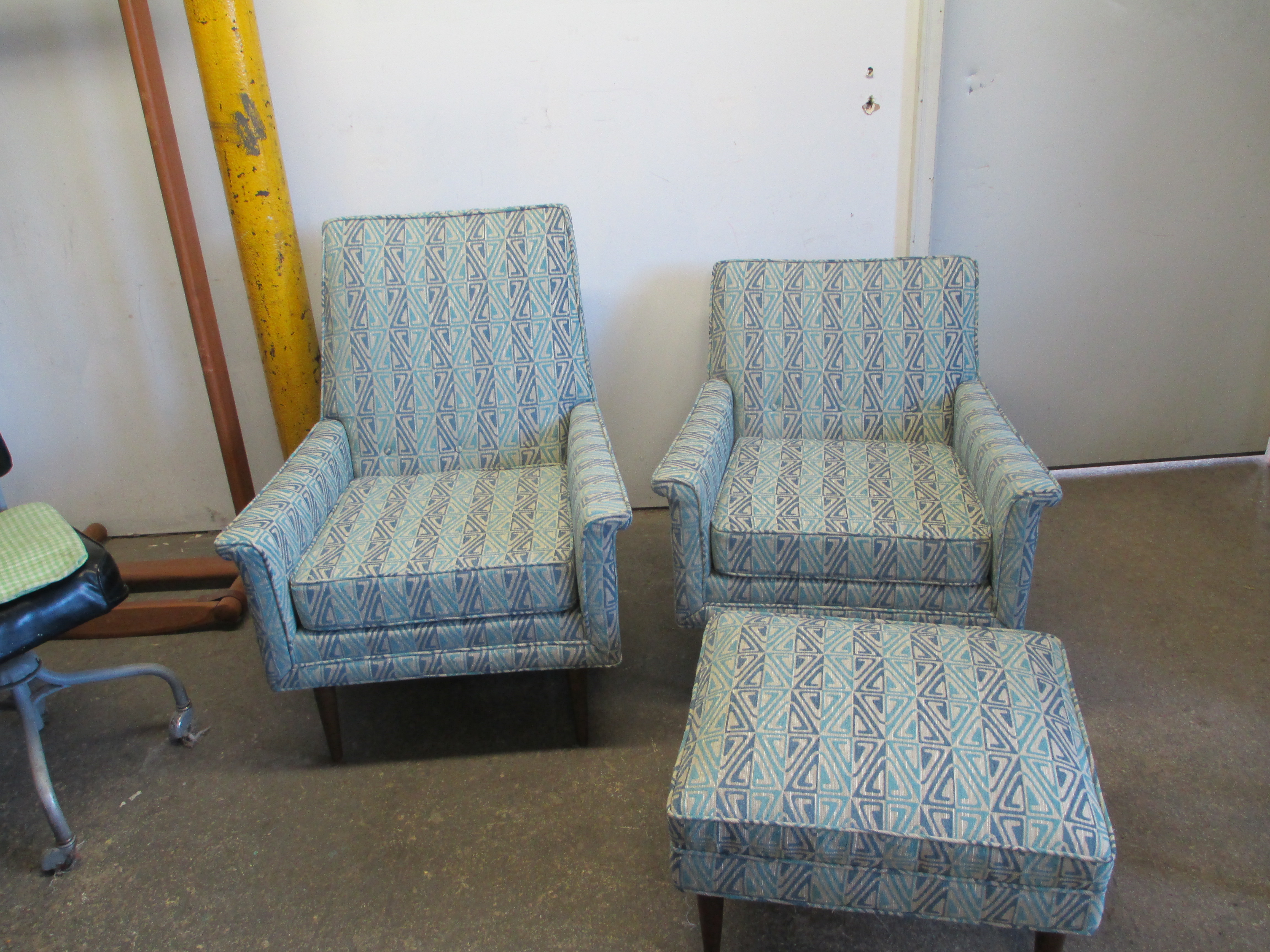 chairs_ottoman